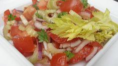 Rajčatový salát s cibulí a řapýkatým celerem