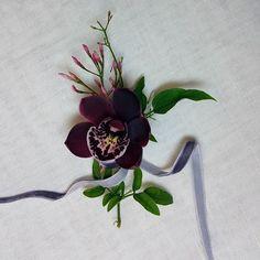 Groom's boutonniere for flower Lara &Luís Wedding  by apajarita.com  #details #groomsboutonierre #wedding #weddingdetails #weddingday #perfectday #realwedding #apajarita