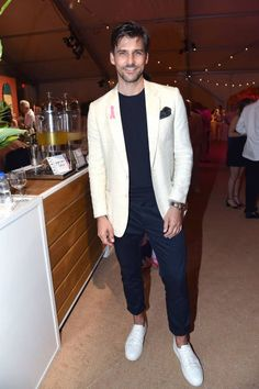 Johannes Huebl attends Sixth Annual Hamptons Paddle and Party for Pink Benefitting the Breast Cancer Research Foundation at Fairview on Mecox Bay on August 2017 in Bridgehampton, NY. Get premium, high resolution news photos at Getty Images Tan Blazer Outfits, Swag Outfits, Fashion Outfits, Mens Winter Suits, Winter Outfits For Work, Different Suit Styles, Milan Men's Fashion Week, New York Street Style, Madrid