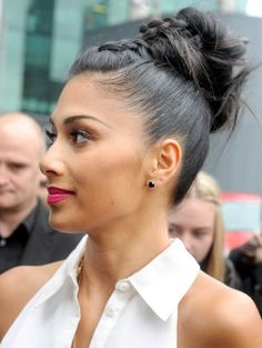 Some braids are loose and romantic. Some are very detailed and fancy. And then some have hardcore-awesome What-you-talking-bout-Willis attitude. For that last one, see Nicole Scherzinger here Nicole Scherzinger, Weave Hairstyles, Pretty Hairstyles, Casual Updos For Long Hair, Natural Hair Styles, Short Hair Styles, Photo Portrait, Cool Braids, Side Braids
