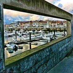 Enmarcado en un cuadro el Puerto Deportivo de #gijon #asturias #spain #igersasturias #spain