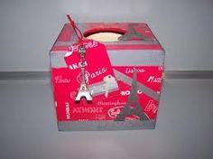 """BOITE à MOUCHOIRS """"PARIS"""" boîte bois, méthode décopatch, rubans et appliques fantaisie, tags bois assortis Ƹ̵̡Ӝ̵̨̄Ʒ Nouillelfique"""