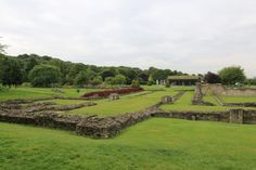 Sitting not far from central London can be found the ruins of a large Abbey, which if it were almost anywhere else would be a major tourist attraction. Golf Courses, Vineyard, London, Places, Outdoor, Outdoors, Vine Yard, Vineyard Vines, Outdoor Games