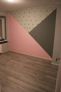 Zimmer Baby room with painted surfaces; pink and gray and black dots, room # su Bedroom Wall, Kids Bedroom, Bedroom Decor, Bedroom Ideas, Cool Teen Bedrooms, Girl Bedroom Designs, Kids Room Design, Little Girl Rooms, Baby Room Decor