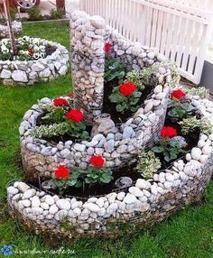 39 Amazing Zen Garden Ideas For frontyard and Backyard. If you're currently employing a backyard design specialist to enter and do the landscape layout of your yard, it may be a good idea to con. Vintage Garden Decor, Vintage Gardening, Spring Flower Arrangements, Spring Flowers, Disney Garden, Flower Garden Design, Beautiful Flowers Garden, Hanging Plants, Garden Art