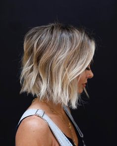 Frisuren It takes a village. Cut: Anh Co Tran Color: Carachele Tyvan Extensions: Stacie. Hair Blond, Ombre Hair Bob, Blonde Ombre Short Hair, Great Hair, Hair Today, Hair Dos, Pretty Hairstyles, Hair Trends, Her Hair