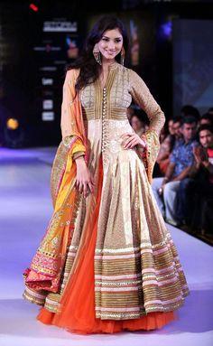 Poonam Vyas . Money makes Fashion happen. Adooye makes