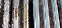 Cleaning your BBQ grill grates: 1 cup ammonia in a thick well-sealed garbage bag overnight. Deep Cleaning, Spring Cleaning, Cleaning Hacks, Cleaning Recipes, Grilling Recipes, Organizing Tips, Car Cleaning, Pork Recipes, Cleaning Supplies