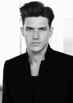 Quiff Haircut For Men - 40 Manly Voluminous Hairstyles Classic Mens Haircut, Classic Mens Hairstyles, Top Hairstyles For Men, Quiff Hairstyles, Hairstyle Men, Wedding Hairstyles, Hairstyles 2018, Funky Hairstyles, Formal Hairstyles
