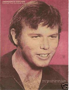 Teen Pinups Rock Magazines Posters - Your one stop shop for teen idols of the & today. 1970s Tv Shows, Old Tv Shows, Kevin Tighe, 70s Hits, Randolph Mantooth, Hot Guys, Hot Men, Classic Tv, Firefighter