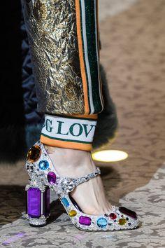 5e976a1e4a787 Dolce   Gabbana Fall 2018 Prêt À Porter, Mode, Chaussure, Talons, Haute
