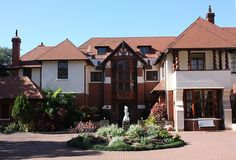 Caister Lodge Retirement Complex, Musgrave Road, Durban News South Africa, Durban South Africa, Kwazulu Natal, Adventure Holiday, Travel Reviews, Beautiful Buildings, Mansions, House Styles, City