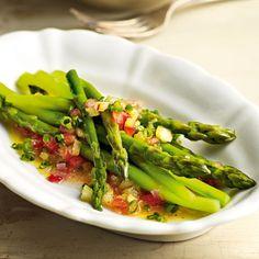 Frische Lorbeerblätter sind deutlich intensiver als die getrocknete Variante. Sie geben diesem frühlingsfrischem Gericht die besondere Note.