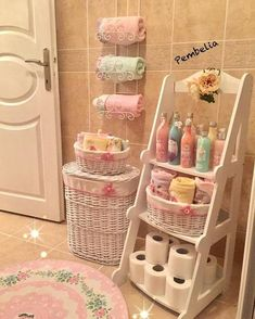 Likes, 166 Comments – 𝓢𝒆𝓿𝓰𝓲 𝓓𝒆𝓶𝓲𝓻 🎀 (Sév… - Dekoration Muebles Shabby Chic, Shabby Chic Decor, Kitchen Organisation, Home Organization, Diy Room Decor, Bedroom Decor, Home Decor, Kawaii Room, Chic Bathrooms