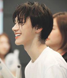 Nct - TEN , he's so precious protect him! Taeyong, Jaehyun, Nct 127, Shinee, K Pop, Nct Debut, V Smile, Jaewon One, Dance Photography