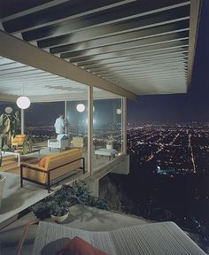 Case Study House #22 - Pierre Koenig Architect 1960 - Los Angeles (photo by Julius Shulman)