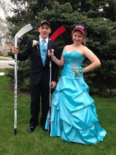 Now THIS is how you do prom.