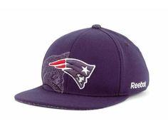 """New England Patriots NFL Reebok Flat Bill """"Dual Threat"""" Stretch Fitted Hat New"""