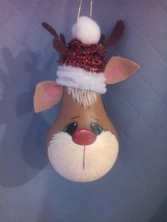 Reindeer painted light bulb