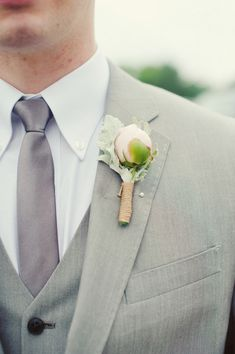 A chic boutonniere for a summer wedding! {Melissa Copeland Photography}
