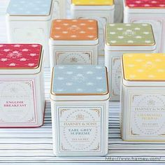 Our gourmet tea tins are elegant party favors for tea parties, bridal showers, and wedding receptions. Tea Packaging, Packaging Design, Cookie Packaging, Bottle Packaging, Pretty Packaging, Product Packaging, Packaging Ideas, Harney And Sons Tea, Tea Wedding Favors
