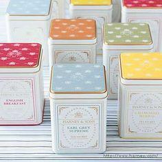 http://www.thelovelyroom.com/2005/10/tea-box/