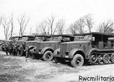 https://flic.kr/p/ej7sCT   Sd.Kfz. 8 schwerer Zugkraftwagen (12-ton)   Belle collection de tracteurs d'artillerie lourds les plus polyvalents de la Wehrmacht produits à 10 257 exemplaires fin 1944.