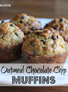 These Oatmeal Chocolate Chip Muffins are so easy to whip up they are hearty & delicious and they freeze well too! These Oatmeal Chocolate Chip Muffins are so easy to whip up they are hearty & delicious and they freeze well too! Muffins Blueberry, Banana Oatmeal Muffins, Oatmeal Cupcakes, Cake Mix Muffins, Healthy Banana Muffins, Baked Oatmeal Cups, Zucchini Muffins, Mini Muffins, Baking Recipes