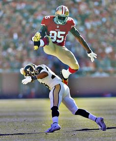 Vernon Davis Flying. This was amazing he did it twice in the game Sunday 12/1/13. Welcome back.