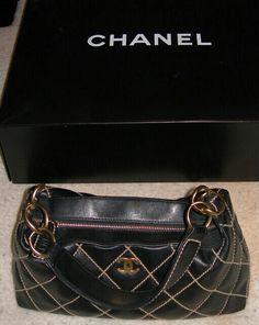 Perfect small purse.
