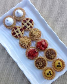Tartaletas Cute Desserts, Delicious Desserts, Individual Cakes, Cheese Tarts, Easy Baking Recipes, Mini Pies, High Tea, Chocolate Recipes, Sweet Recipes