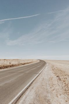 Where adventure meets the wide-open road.   Views from a summer road trip reverie brought to life with Country Backgrounds, Cute Backgrounds, Aesthetic Backgrounds, Aesthetic Iphone Wallpaper, Aesthetic Wallpapers, Wallpaper Backgrounds, Color Wallpaper Iphone, Beach Wallpaper, Phone Backgrounds