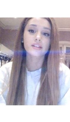 I LOVE ARIANA GRANDE! SHE IS SOOOO GOOD AT SINGING, AND SUPER NICE AND PRETTY!