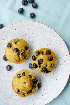 Für das Rezept für schnelle Low Carb Muffins mit Heidelbeeren braucht ihr nur 5 Zutaten und 5 Minuten Vorbereitungszeit. Weight Watchers tauglich und perfekt für den schnellen, gesunden Snack.