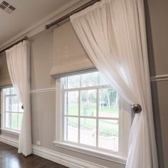 Mind Blowing Tricks: Grey Blinds Kitchen blinds for windows apartments.Blinds For Windows Apartments brown blinds and curtains. Kitchen Window Treatments With Blinds, Modern Window Coverings, Kitchen Window Coverings, Kitchen Blinds, Kitchen Windows, Window Treatments Living Room Curtains, Curtain Ideas For Living Room, Picture Window Treatments, Bathroom Blinds