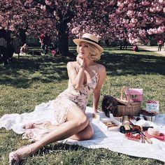 """Miss Macchiato (@missismacchiato) no Instagram: """"А вот и наш вчерашний girly пикник это был великолепный день✨ а какой фурор мы произвели у…"""""""
