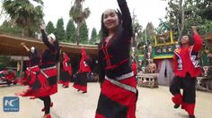 Swaying long hair and making wild movements... Come to enjoy the amazing long-hair dancing by Va ethnic people in southwest China's Yunnan Province.