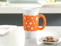 This 15oz single wall tumbler  with a brightly colored and comfort silicone handle grip. #15oz_tumbler