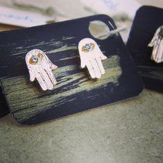 Hamsa/Fatima Hand Earrings 18K Gold Plated por WILDSOUL19 en Etsy