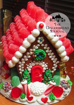 Vintage and Classic … More Gingerbread Houses from Christmas Past Gingerbread House Patterns, Gingerbread House Parties, Gingerbread Village, Christmas Gingerbread House, Gingerbread Cookies, Gingerbread Recipes, Gingerbread Decorations, Christmas Goodies, Christmas Candy