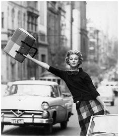 Fashion photograph by Helmut Newton, 1959                                                                                                                                                     Mehr
