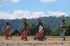 Insonesia sarong girls
