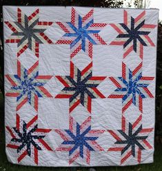 This unique handmade quilts is certainly a magnificent design construct. Flag Quilt, Patriotic Quilts, Star Quilt Blocks, Star Quilt Patterns, Star Quilts, History Of Quilting, Quilt Of Valor, Blue Quilts, Custom Quilts