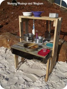 Pallet Mud Pie Kitchen from Mummy Musings and Mayhem ≈≈ Mud Kitchen For Kids, Mud Pie Kitchen, Outdoor Cooking Area, Outdoor Play Spaces, Wooden Projects, Outdoor Projects, Pallet Projects, Preschool Playground, Preschool Ideas