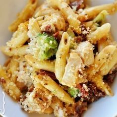 Baked Penne With Chicken, Broccoli, and Smoked Mozzarella...yum!!  #juliesoissons