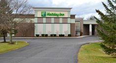 Holiday Inn Rutland-Killington Area Rutland Just off Route 7, near downtown Rutland, Vermont, within driving distance of the Killington ski area, this hotel offers free wireless internet and an on-site restaurant.  Holiday Inn Rutland - Killington Area features an indoor pool with 2 hot tubs.
