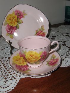 COLCLOUGH ENGLAND BONE CHINA TRIO PINK BACKGROUND WITH PINK AND YELLOW ROSES