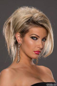 Quale accessorio potrebbe esaltare, meglio di questi orecchini, il viso di una donna o di una ragazza. Tantissime fantasie e materiali super