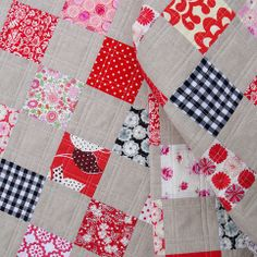 Red Pepper Quilts: A Classic Patchwork Quilt  (Love the quilting on this one!)