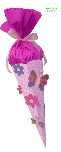 Mädchen Schultüte Schmetterling Blume rosa-pink-lila inkl. Schulstarterpaket finden Sie unter http://www.prell-versand.de/Basteltechniken/Bastelmaterial/Schultueten/Schultueten-nur-bei-Prell/Schultuete-Bastelset-Schmetterling-Blume-rosa-pink-inkl-Schulstarterpaket-GRATIS.html